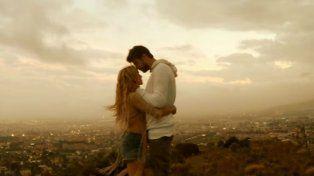 Shakira y Piqué en una de las imágenes de Me enamoré.