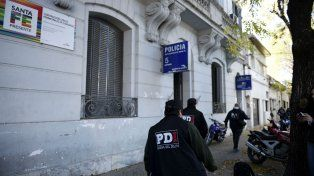 La comisaría. Está en Italia al 2100 y el 26 de abril se fueron 9 presos.