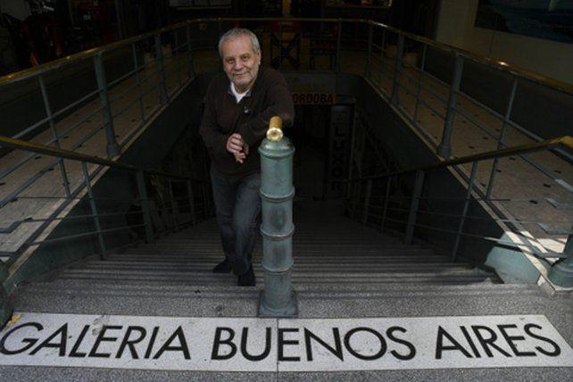 Volver. Claudio Gabis está radicado en España