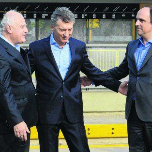 cruces. El gobernador Lifschitz, el presidente Macri y José Corral.