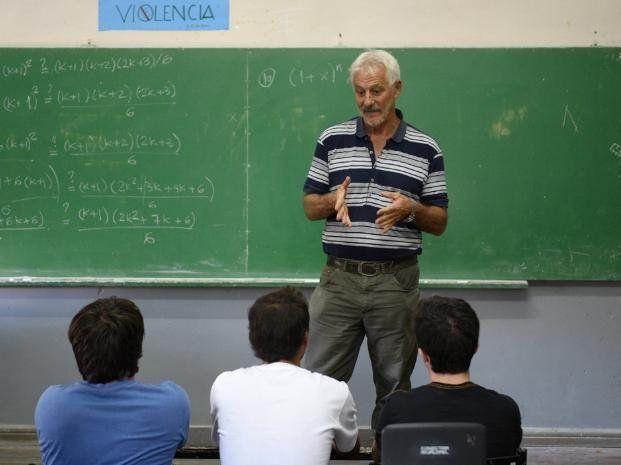 Juan Farina fue mencionado por Macri como un docente ejemplar