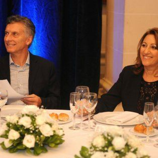 La intendenta Mónica Fein, junto al presidente Mauricio Macri.
