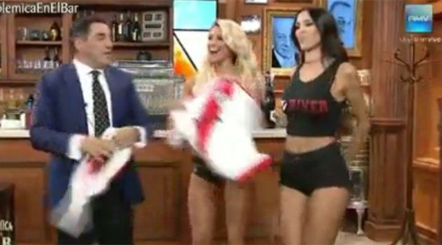 Ailén Bechara súper sexy para celebrar el triunfo de River en Polémica en el bar