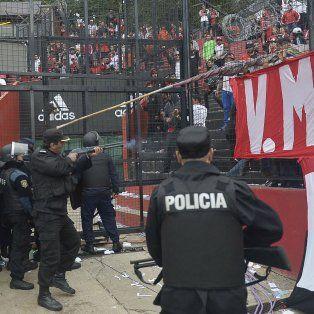 se filtro un video que muestra la represion policial tras el clasico en el coloso