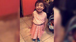 Una mamá le compró un vestido rosa a su hijito y lo compartió en su cuenta de Facebook.