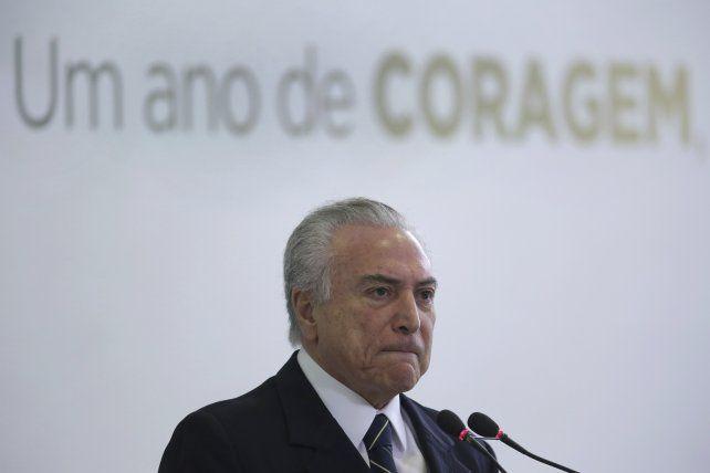 Allanan inmuebles y el despacho del senador Neves en medio del escándalo por sobornos