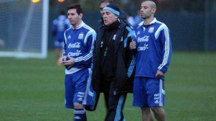 El Tata rompió el silencio y contó la verdad sobre si Mascherano y Messi le armaban el equipo