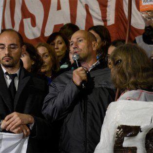 El hermano de la víctima brindó un discurso durante la marcha y apuntó a la policía.