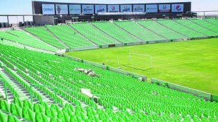 Sentarse. Las butacas en todo el estadio fue una medida de seguridad entre tantas otras.