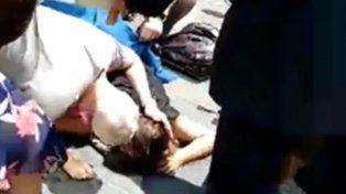 Carrera desenfrenada. En el video se pueden ver a los heridos y a la mujer muerta.