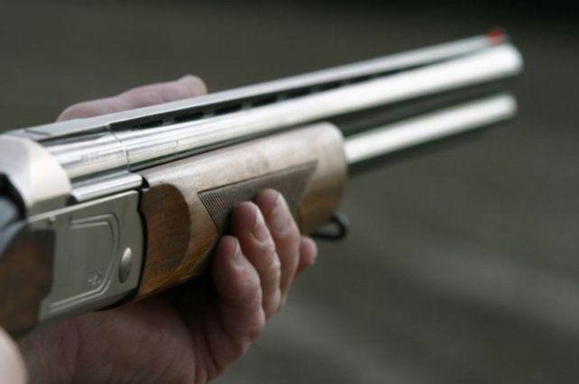 Un hombre intentó calmar a su hijo de un escopetazo en la zona oeste de la ciudad.