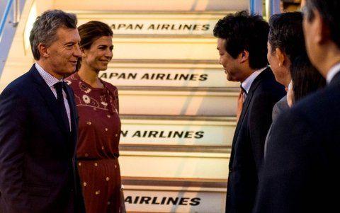 bienvenida. Macri y su esposa arribaron ayer al País del Sol Naciente.