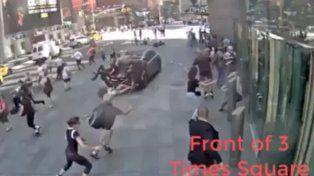 camaras de seguridad registran el momento exacto de la tragedia en times square