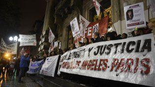 La marcha en reclamo de justicia por María de los Angeles culminó frente a la sede de Gobernación.