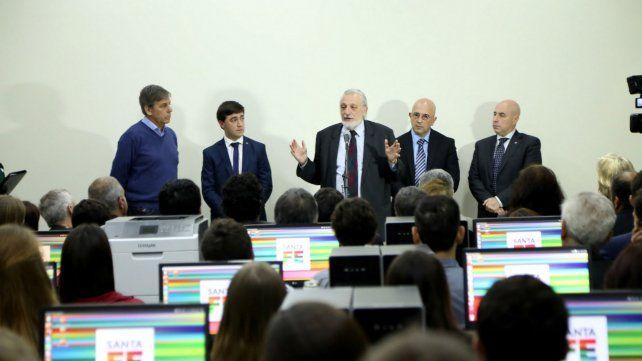 Silberstein. El ministro inauguró el Centro de Digitalización en Santa Fe.