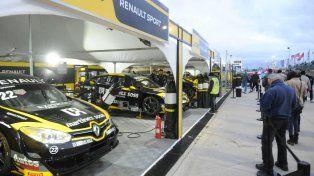 A full. El equipo Renault