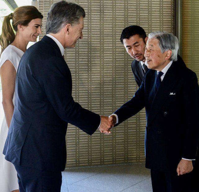 Macri y Juliana Awada ante el emperador Akihito