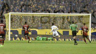 Benedetto convirtió el único gol para el triunfo de Boca sobre Newells en La Bombonera.