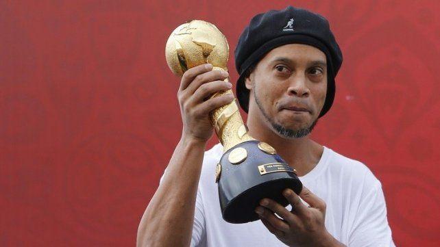Ronaldinho contestó si prefiere a Lionel Messi o a Cristiano Ronaldo
