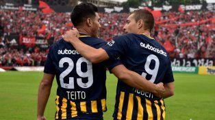 Dos para triunfar. Teíto Gutiérrez y Marco Ruben, la habitual dupla canalla en ataque.