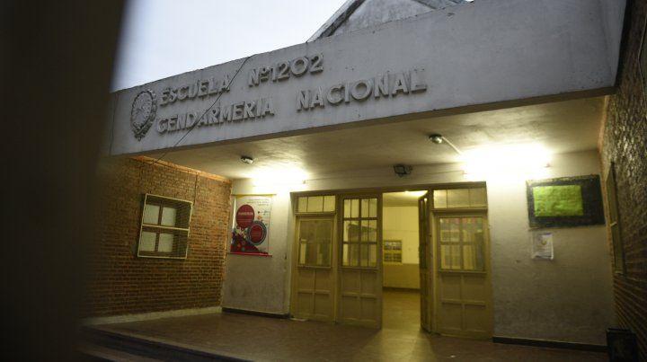 La escuela donde ocurrieron los incidentes. El maestro fue detenido.