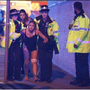 la policia britanica confirmo al menos 19 muertes tras la explosion en manchester