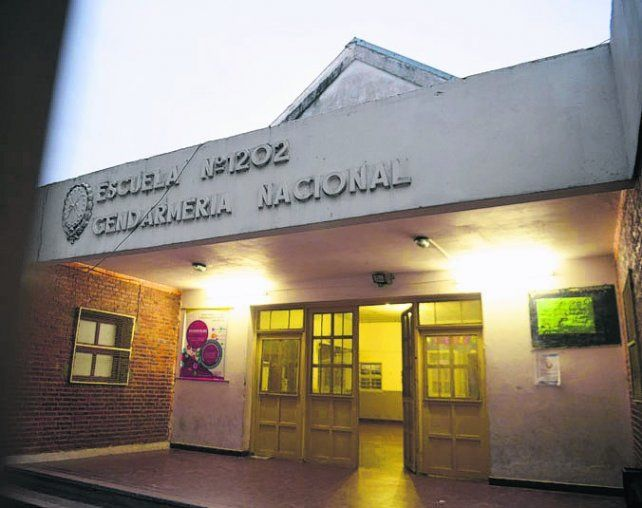 conmoción. La escuela está ubicada en Constitución 3270.