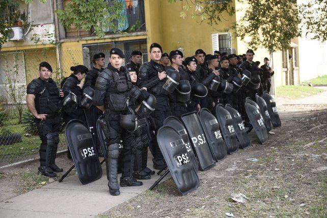 Tensión por una marcha pidiendo justicia y un inusitado despliegue policial en la seccional 30 por amenazas