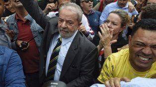 tocado. El ex presidente Lula ante el tribunal federal de Curitiba.
