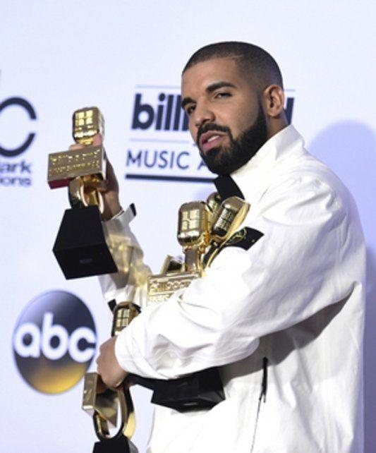 El hombre récord. Drake se alzó con 13 trofeos
