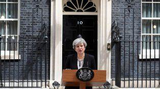 La premier británica condenó el atentado.
