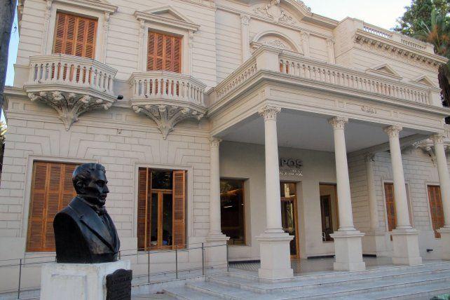 La sede de la obra social de los empleados públicos.