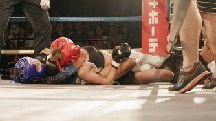 Una nena de 12 años dejó fuera de combate a su oponente que la doblaba en edad.