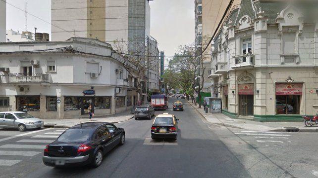 Dos ladrones en moto le robaron a una mujer un bolso con unos 250 mil pesos