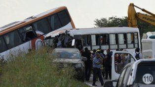 el siniestro. La tragedia en la ruta 33 involucró a dos colectivos y dejó 13 muertos y numerosos heridos.