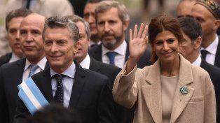 El presidente Mauricio Macri arriba a la Catedral Metropolitana junto a su esposa, Juliana Awada, para participar del tradicional Tedéum.