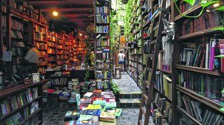 Babilonia Libros, en la calle Tristán Narvaja, de Montevideo.