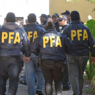 Barrio copado. Al menos 150 agentes federales actuaron en los 33 allanamientos desplegados el martes en tres barrios del sur rosarino.