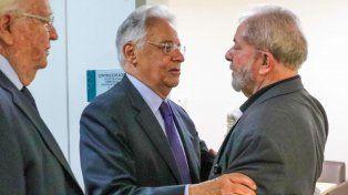 Cardoso brinda sus condolencias a Lula tras la muerte de su esposa ocurrida a principios de febrero.