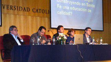 El panel con los legisladores autores de los proyectos.