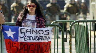 Chile y una bandera para la universidad de la calle