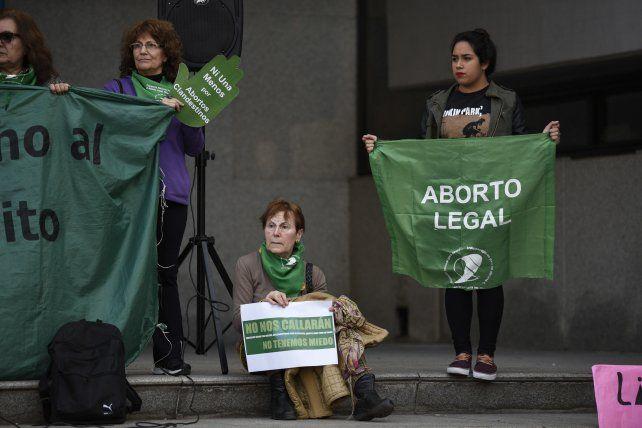Numerosas entidades vienen reclamando la despenalización del aborto.