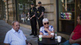 Aún hay miedo. Habitantes de Manchester intentan volver a la normalidad.