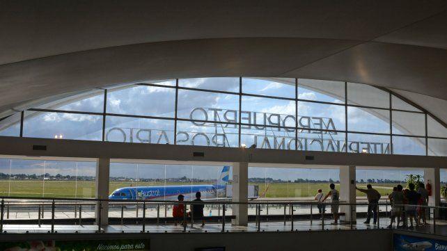 Remiseros reclaman ingresar al aeropuerto y piden igualdad de condiciones para trabajar