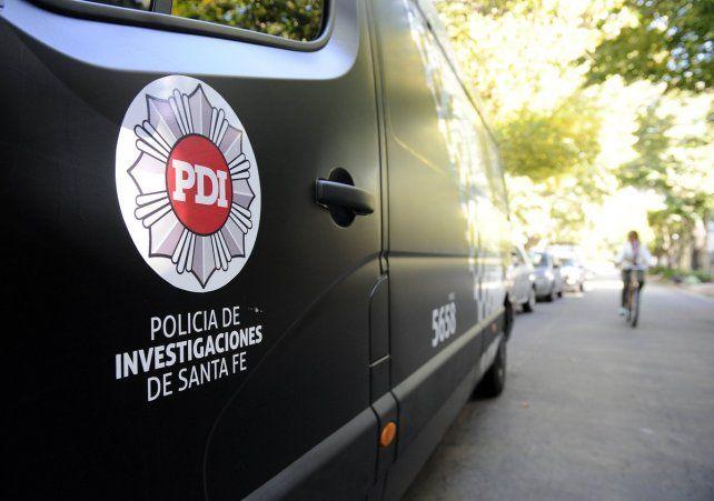 Personal de la Policía de Investigaciones trabajó en la escena del crimen.