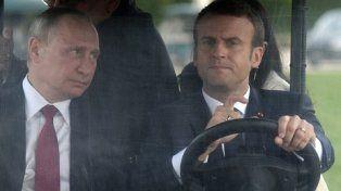 mirada. El ruso fue trasladado en Versalles por el propio Macron.