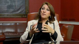 La intendenta habló en la noche del lunes con la web de La Capital.