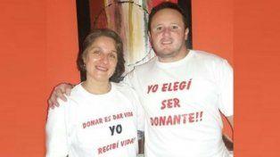 Mensaje de esperanza. María Laura, quien fue trasplantada, y su marido.