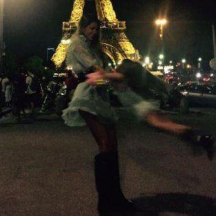 las fotos de la china suarez con su hija rufina de paseo por paris