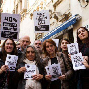 Los empleados de la embajada española van a la huelga por una recomposición salarial.